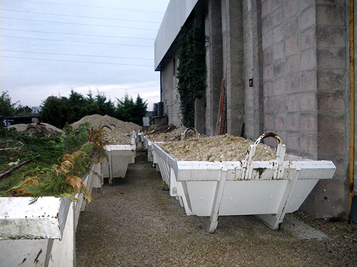 Terrassement de piscine comment vacuer les gravats for Terrassement piscine
